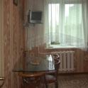 Продам 2/3 доли (20 м.кв.) с лоджией в 2-х комнатной квартире пр-т газеты Звезда,48.