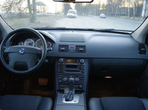 Volvo XC90 - D5, фотография 10