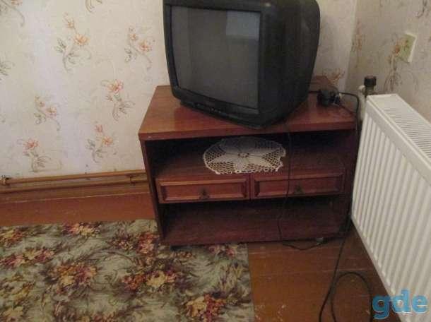 продам тумбу под телевизор, фотография 1