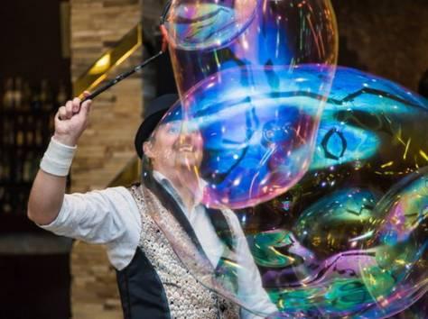 Шоу гигантских мыльных пузырей на свадьбу, фотография 11