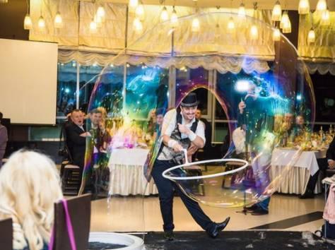 Шоу гигантских мыльных пузырей на свадьбу, фотография 4