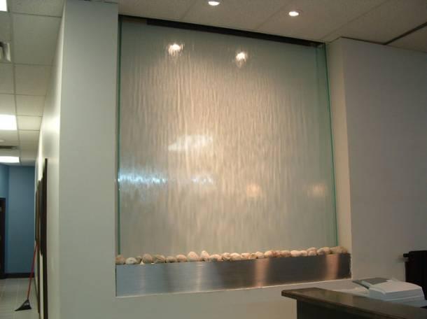 Интерьерные водопады по стеклу, фотография 2