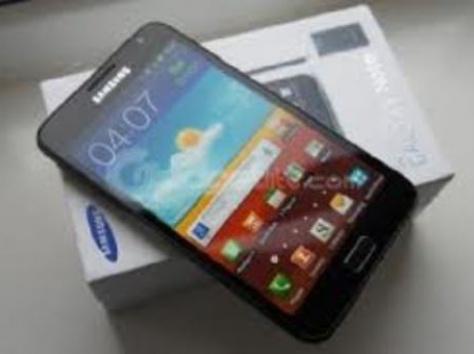 Samsung I9300 Galaxy S III   Skype Instant Chat: .......electronics04, фотография 1