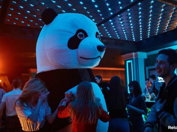 Танцующая гигантская ПАНДА на праздники, фотография 10