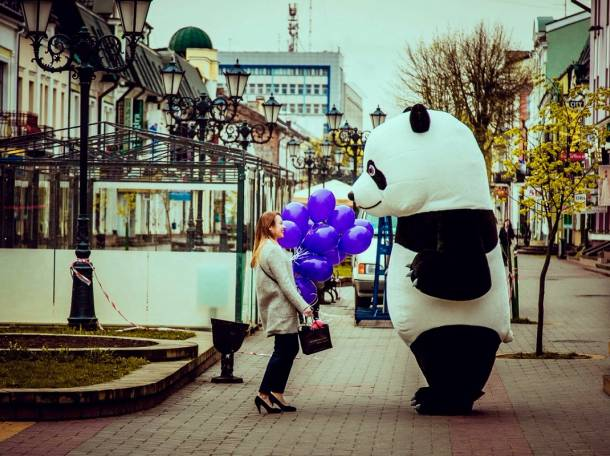Танцующая гигантская ПАНДА на праздники, фотография 12