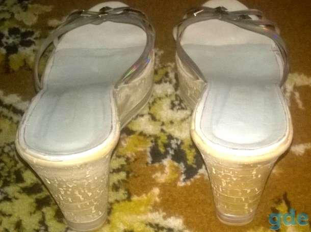 Продаю туфли летние женские