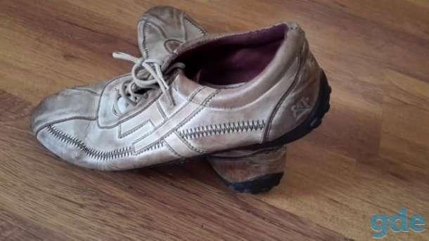 Спортивные кожанные кроссовки, фотография 1