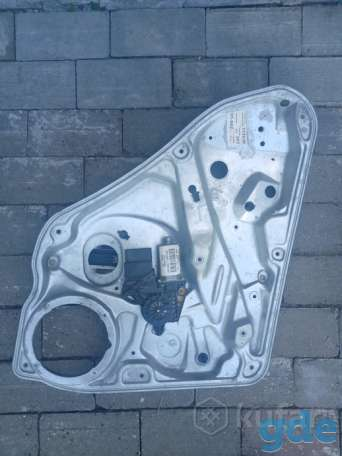 Стеклоподъёмник задний левый на volkswagen Passat b5 gp вариант, фотография 1