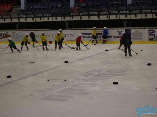 реклама на бортах ледовой арены г. Жлобина, фотография 1