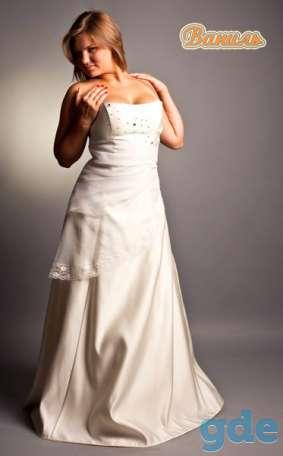 свадебные и вечерние наряды полным фигурам, фотография 2