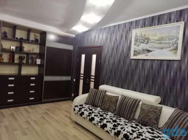 сдам 2-комнатную квартиру на сутки, ул. Рогачевская, 2б, фотография 1