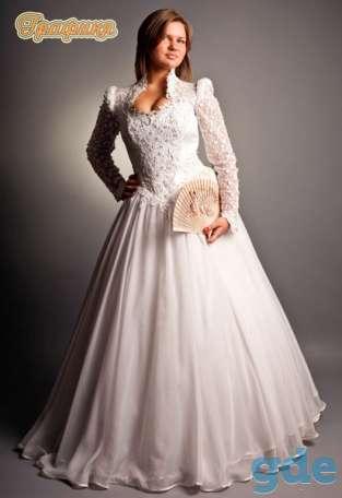свадебные и вечерние наряды полным фигурам, фотография 3